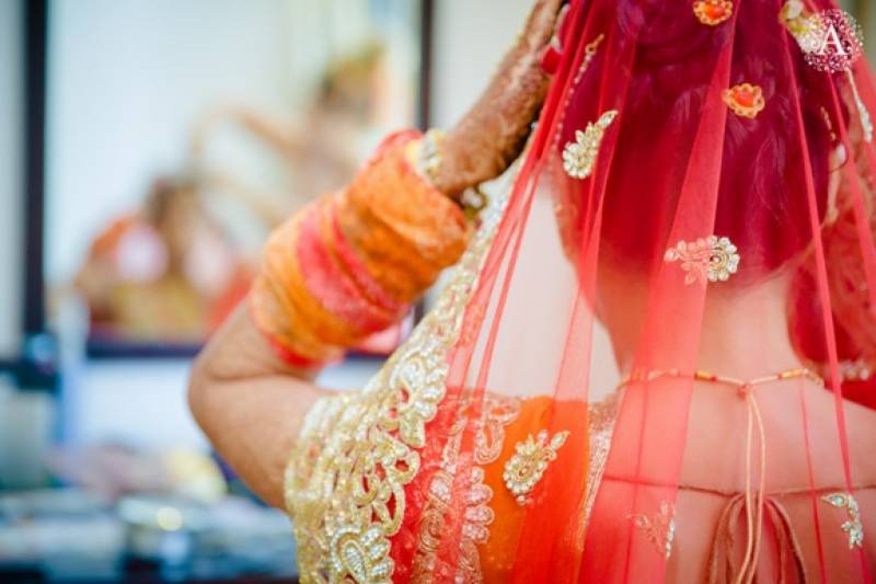 10 things a PAKISTANI BRIDE goes through before her wedding!
