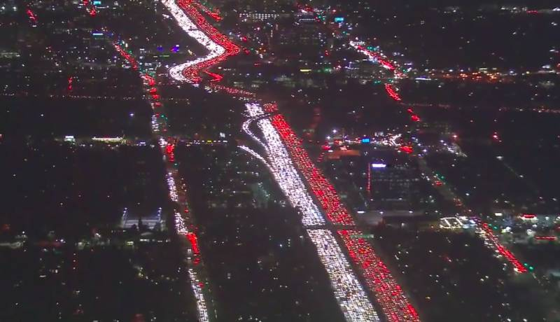 Los Angeles: Amazing aerial footage captures commuters stranded in snarl up for Thanksgiving holiday