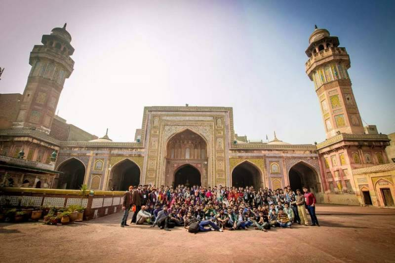 VIRSA - A Photo walk through the streets of the Walled City of Lahore