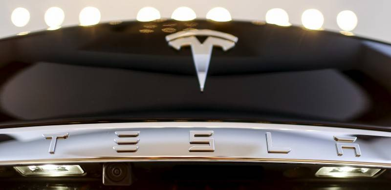 Panasonic to invest over $256 million in Tesla's U.S. plant for solar cells