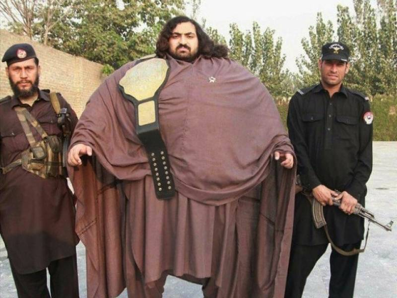 Meet Pakistan's hulk Khan Baba, the 360-kg wrestling fan who can bend coins with one hand