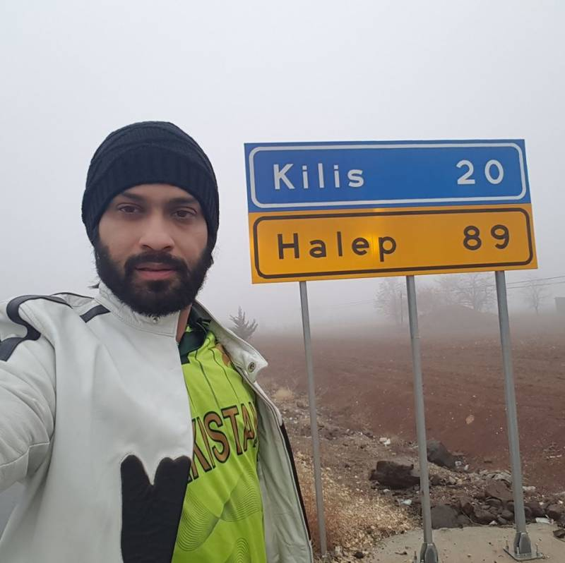 Waqar Zaka celebrates New Year in Syria, helps people out in Aleppo