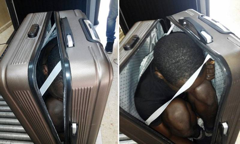 Moroccan woman arrested for smuggling a migrant into Spain inside a suitcase