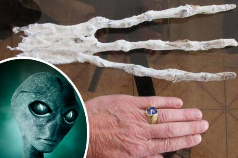 'Alien hand' discovery in ancient cave shocks UFO experts