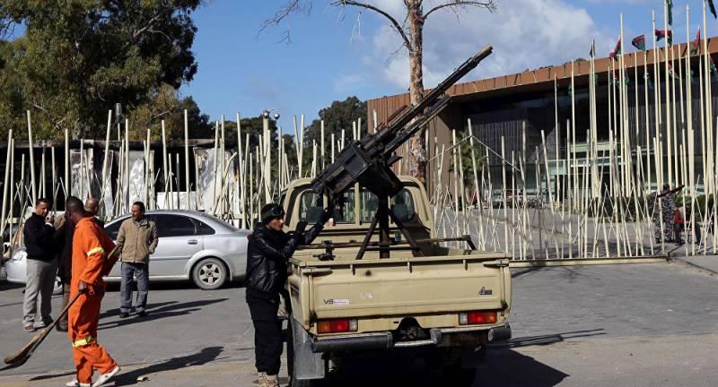 Militants seize key ministries in Libya's Tripoli