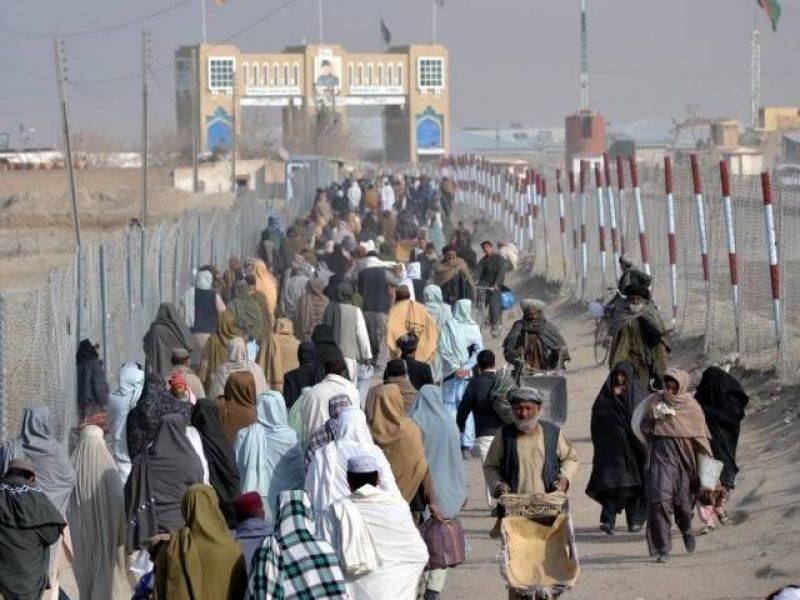Afghan official requests Pakistan to reopen border amid volatile relationship