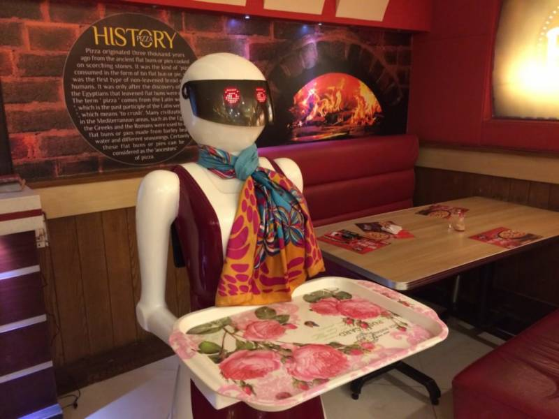Pakistan's first robot waiter starts serving pizza in Multan's restaurant