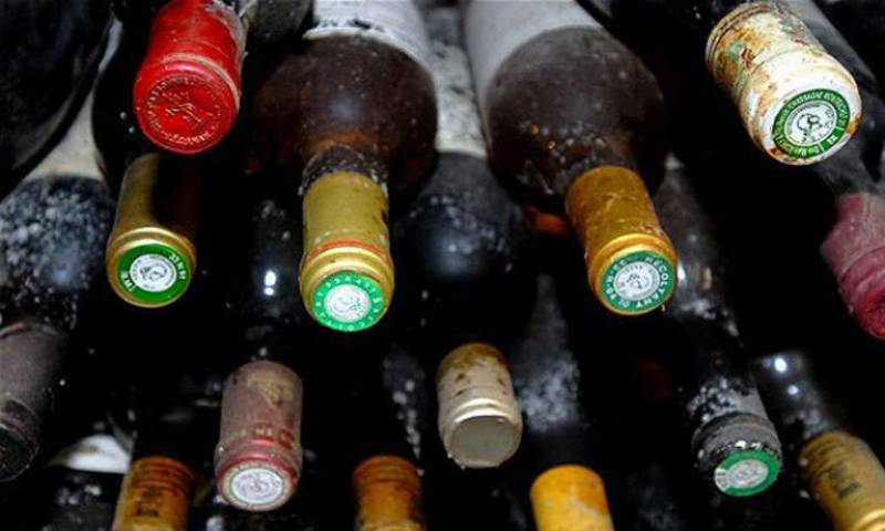 SHC orders immediate closure of liquor shops across province for one month