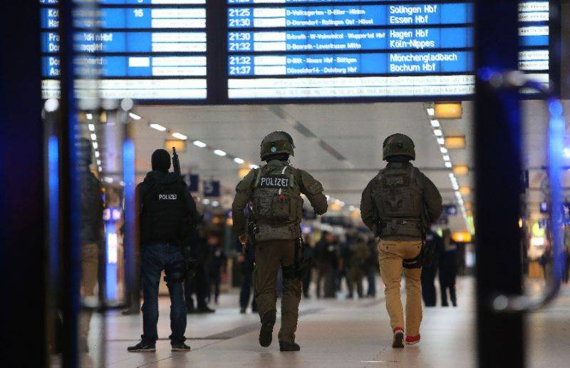 Axe attacker arrested after injures 9 in German train station rampage