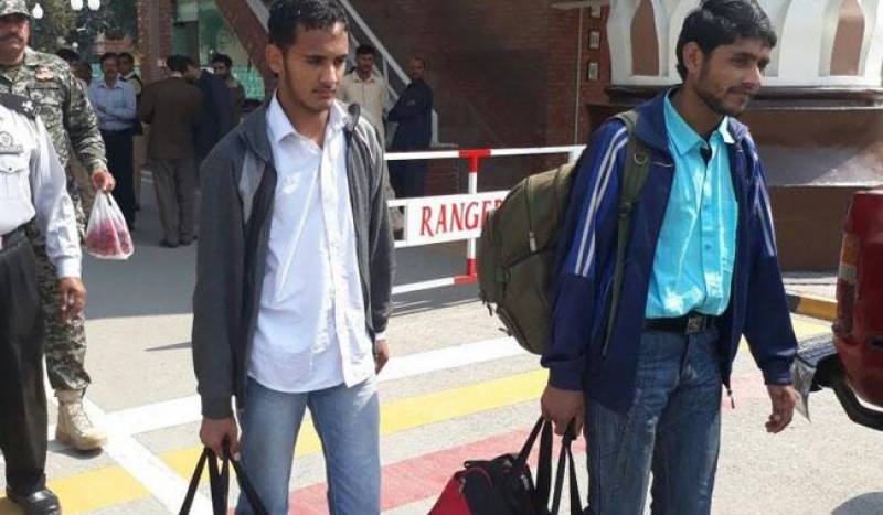 Pakistani students held after Uri attack return home