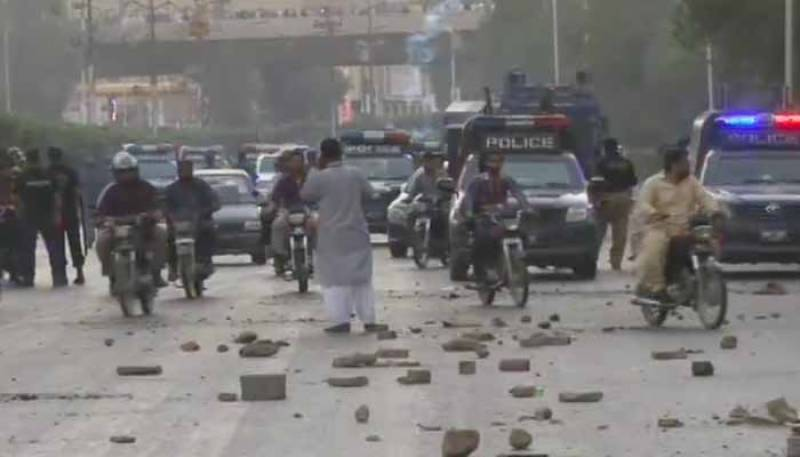 JI Karachi chief released, Shahra-e-Faisal cleared for traffic after protest