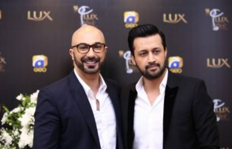 #itsofficial - Singer Atif Aslam will be Hosting Lux Style Awards 2017
