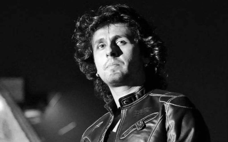 Sonu Nigam says he is ready to apologize if his tweets were Anti-Muslim
