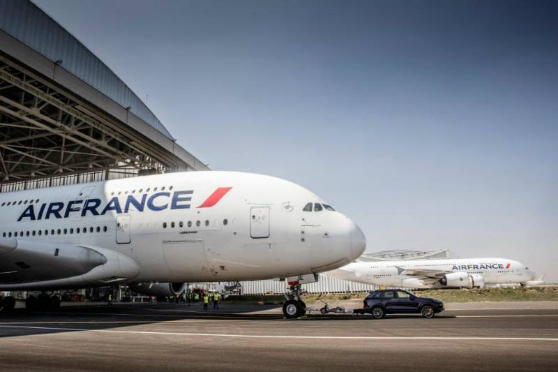 VIDEO: Porsche Cayenne pulls Airbus A380 for new Guinness World Record