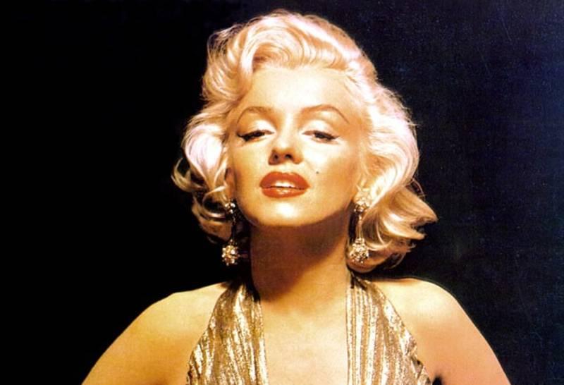 Marilyn Monroe's home, where she overdosed & died in 1962, sells for $6.9 million