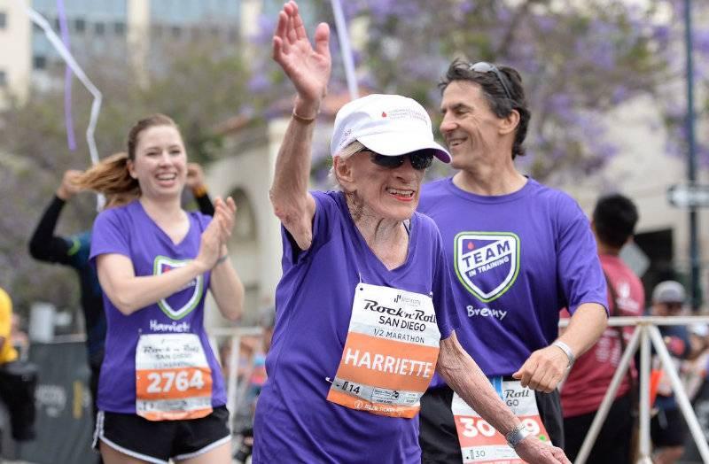 94 year-old woman sets half-marathon world record