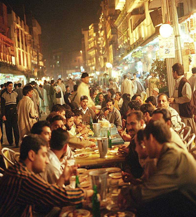 Four famous food streets in Pakistan that are best for Iftar