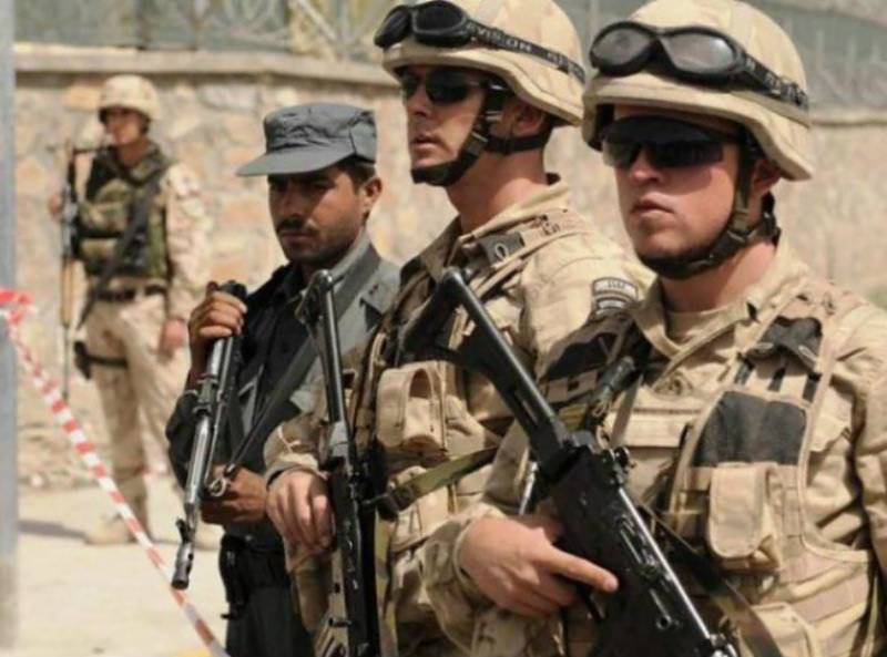Afghan commando kills two American soldiers before being shot dead