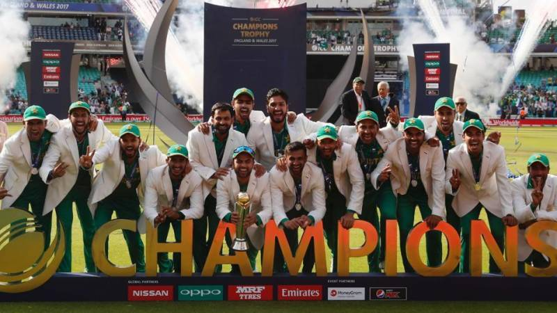 Triumphant Pakistani team gets rousing welcome back home (see pictures)