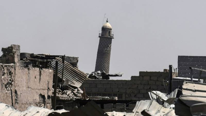 IS blows up 800-year-old Grand al-Nuri Mosque in Mosul where it announced 'caliphate'