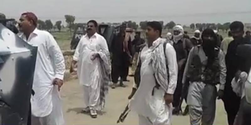 12 dead as two rival groups clash in Shikarpur