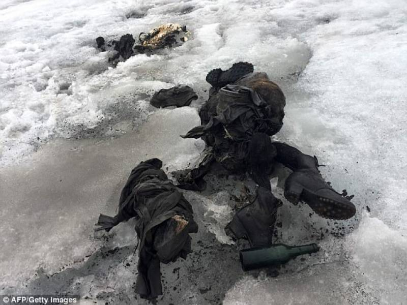 Couple missing for 75 years found perfectly preserved in Swiss glacier