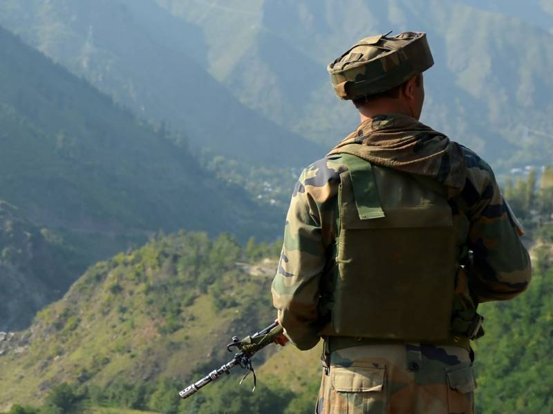 Indian soldier kills officer on LoC over mobile phone row