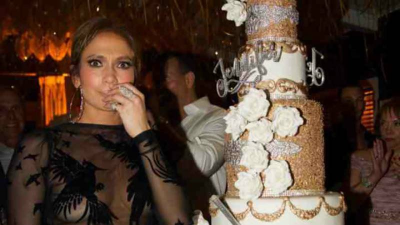 Jennifer Lopez celebrates 48th birthday with GOLD cake
