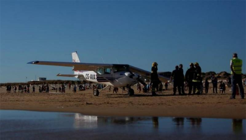 Two sunbathers killed as plane makes emergency landing on beach in Portugal