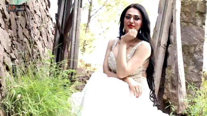 Transgender model Rimal Ali on her way to make her cinematic DEBUT with 'Saat Din Mohabbat In'