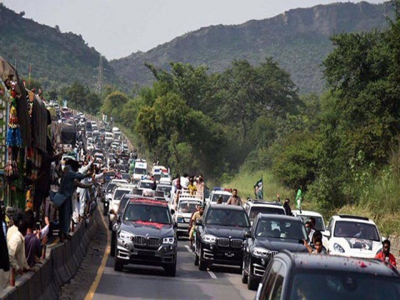 Child killed by PML-N convoy as Nawaz's homecoming rally reaches Gujrat