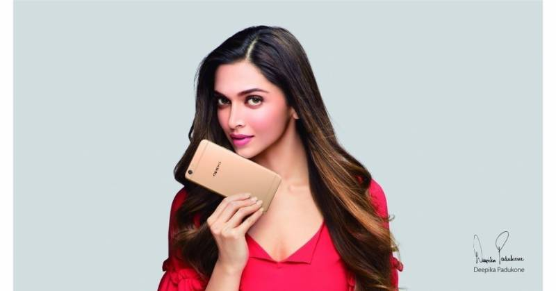 Deepika Padukone brings a surprise for the fans - The OPPO F3 Deepika Padukone Limited Edition