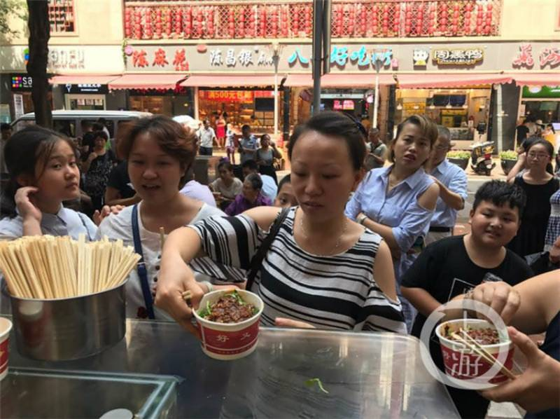 Chinese man throws a massive noodle party after engagement ring recovered