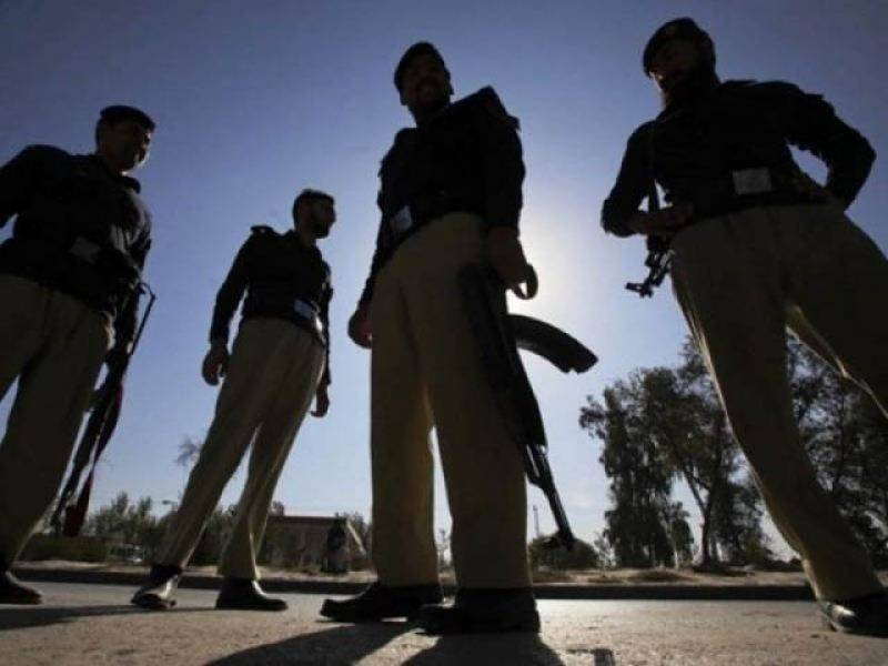 Bandits kidnap 7 cops after attacking police outpost in Rajanpur