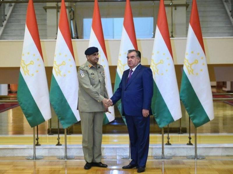Army chief, Tajik president share views on Afghanistan, regional security