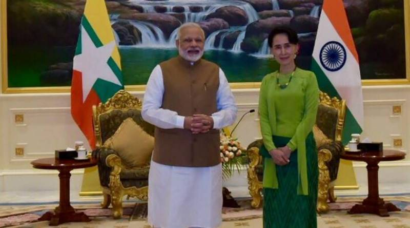 PM Modi meets Aung San Suu Kyi, promises to work together against violence in Rakhine