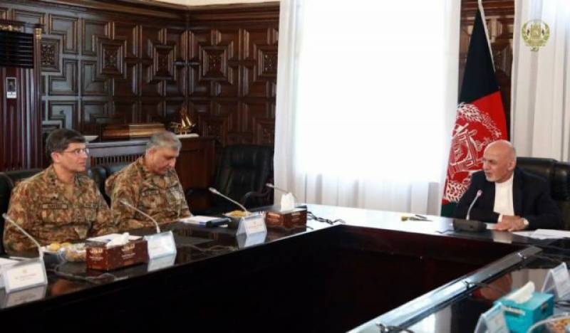 Pakistan and Afghanistan discuss trade, regional security