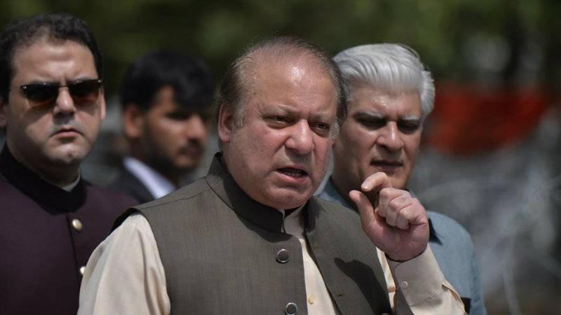 Nawaz Sharif heads to London ahead of indictment