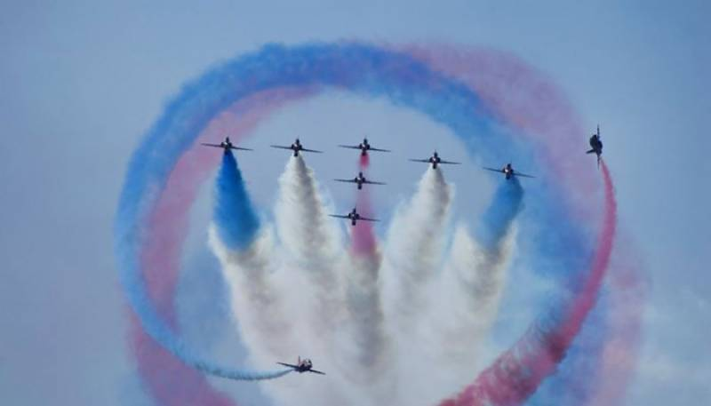 Stunning airshow in Karachi to mark 70 years of Pak-UK friendship