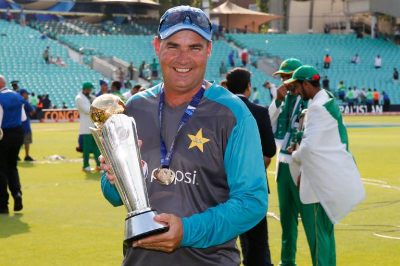 PCB extends contract of Mickey Arthur until World Cup 2019