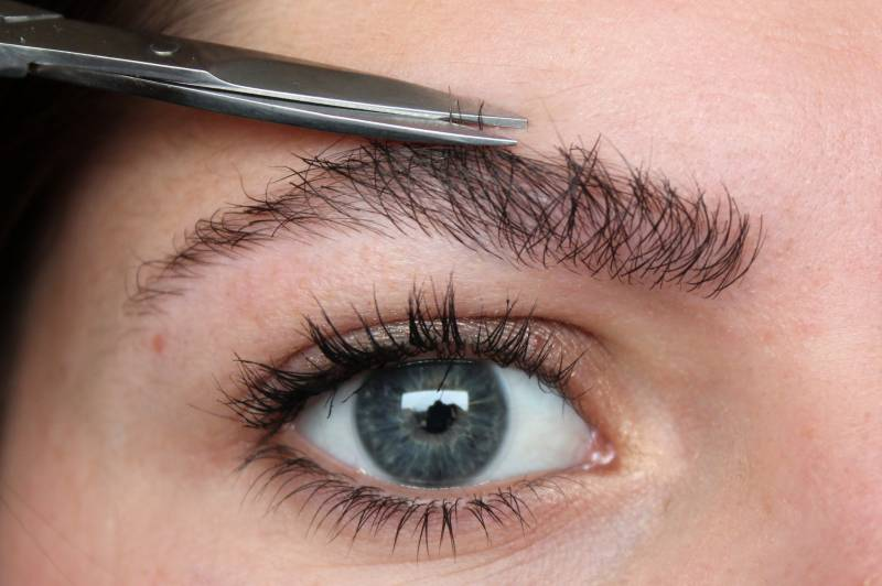 Plucking eyebrows, trimming hair is un-Islamic, India's Darul Uloom Deoband issues fatwa