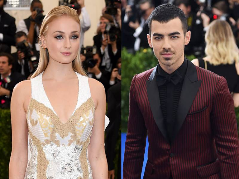 'Game of Thrones' star Sophie Turner and singer Joe Jonas got Engaged
