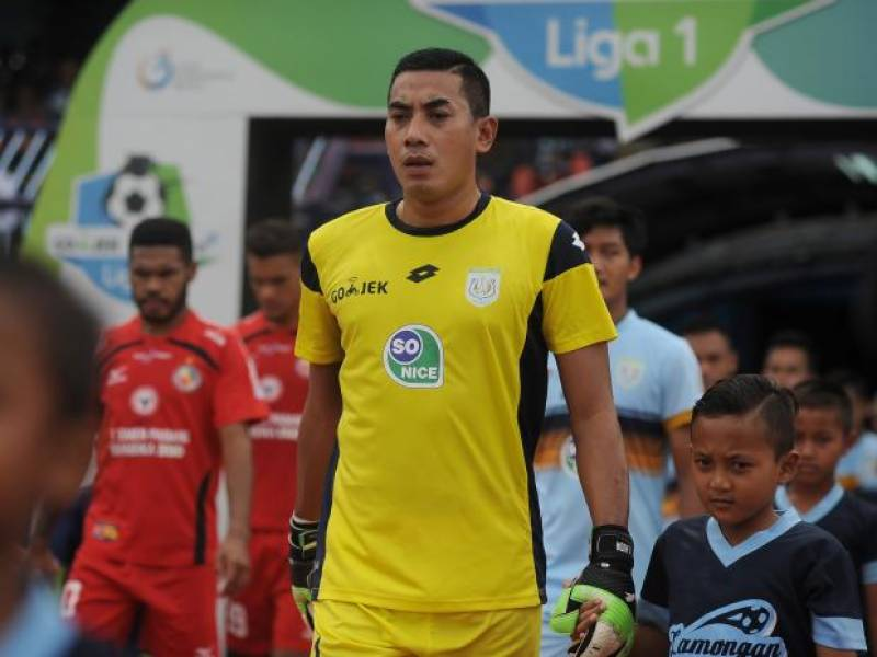 Goalkeeper dies after in-game collision with teammate