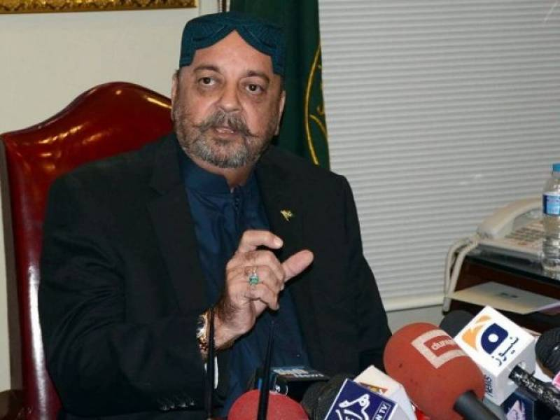 Durrani in hot water after saying he 'urinates on votes'