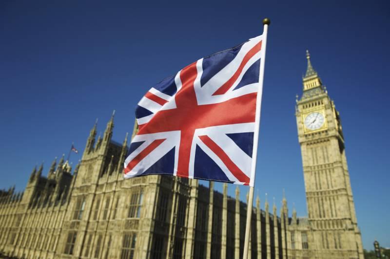 UK decides to deport 700 illegal Pakistani migrants