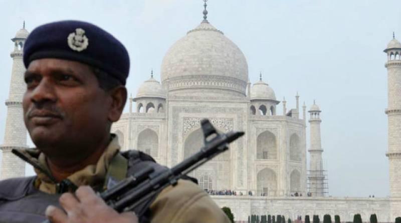 Swiss tourists attacked near Taj Mahal in India