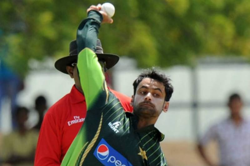 Mohammad Hafeez in UK to face bowling action test