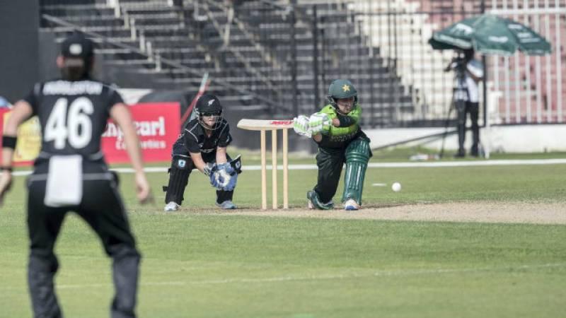 Pakistan lose 2nd T20I to New Zealand despite Sandhu's four-wicket haul