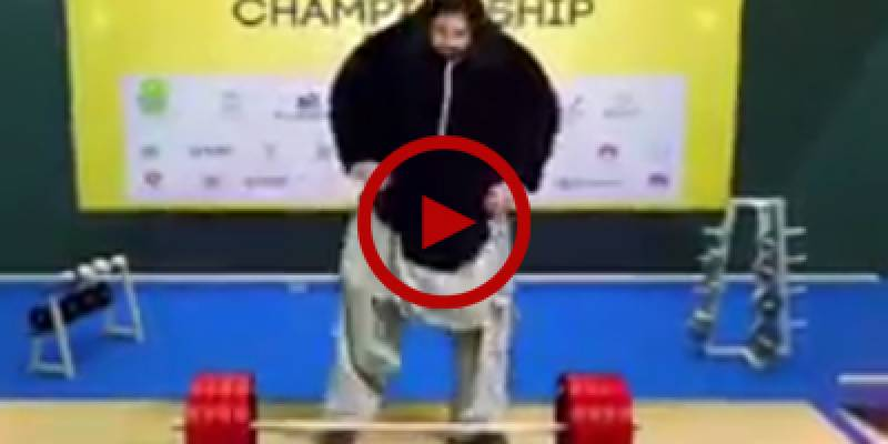 Khan Baba from Mardan stuns audience at world weightlifting championship
