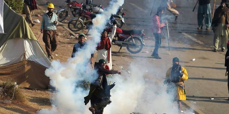 Islamabad clashes: Major roads blocked in Lahore